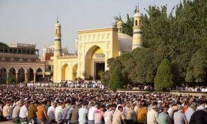 F:\MAJALAH AL-UMM\VI\7\181926-7 masjid id gha.jpg